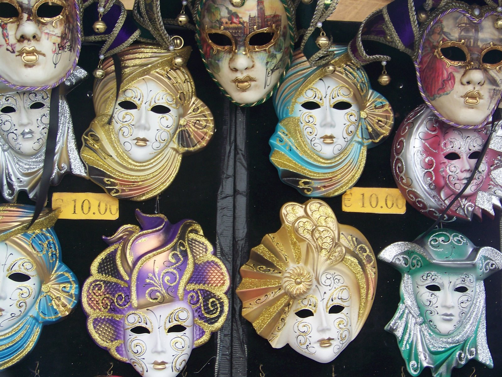 Venetian masks and various wolves 